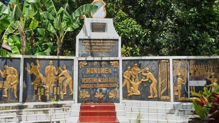 Monumen Peristiwa Merah Putih di Kampung Peling Kecamatan Siau Barat.