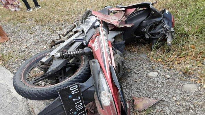 Kecelakaan Maut Pukul 12.30 Wita, Bapak dan Anaknya Tewas, Hendak Menyalip Mobil Lalu Tertabrak Truk