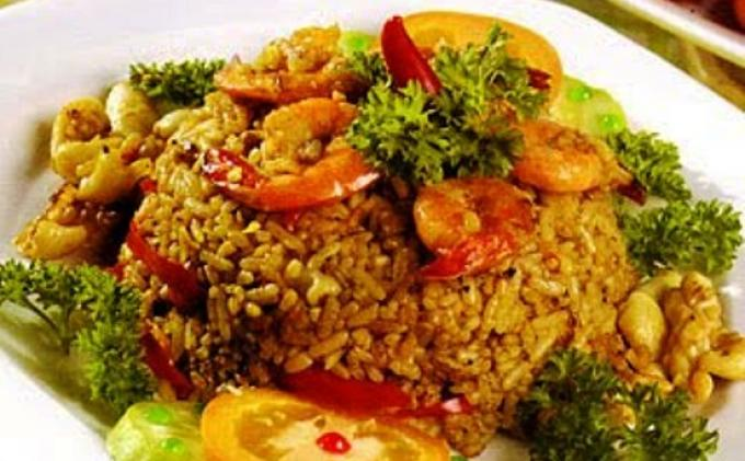 Kedai 3 M Sediakan Nasi Goreng Cakalang