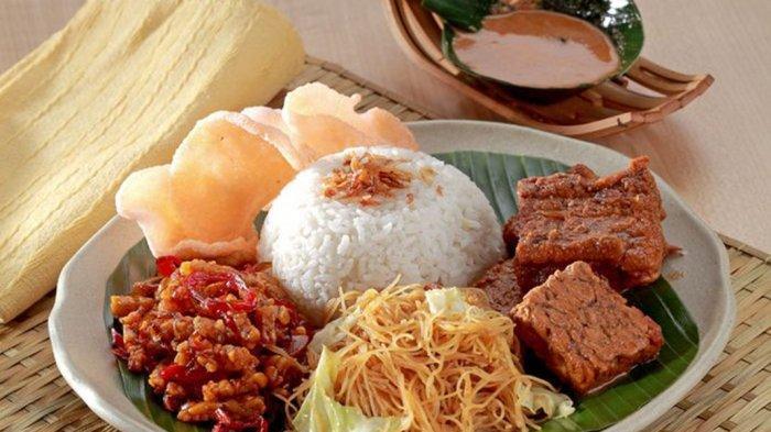 Terkenal, Ini Daftar 8 Nasi Uduk yang Ada di Jakarta
