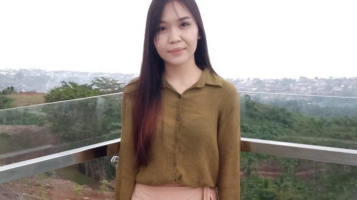 Nathalia Palia Mengaku Jatuh Cinta Pada Pandangan Pertama Saat Wisata ke Makatete Hills
