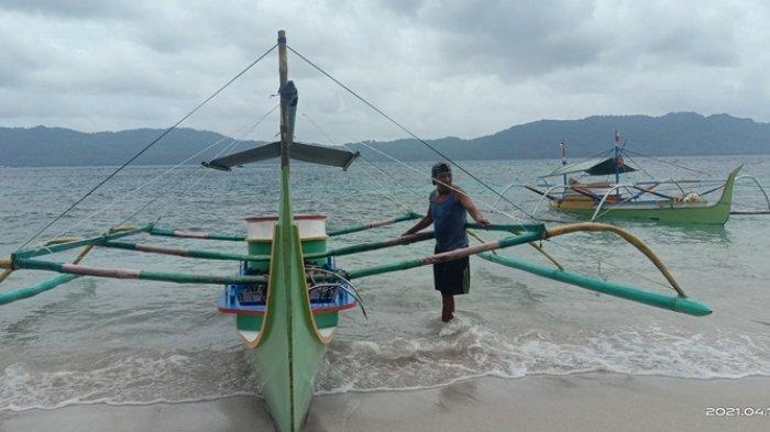 Akibat Cuaca Buruk Nelayan Enggan Melaut, Warga di Pinggiran Pantai Diimbau Waspada