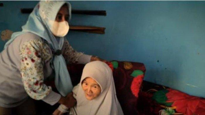 Ingat Nenek Iroh? Dulu Sempat Viral Tinggal Bareng Baim Wong, Ini Kabarnya Setelah Pulang Kampung