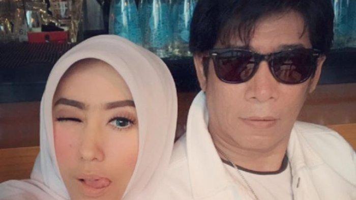Sosok Dina Risty Istri Kedua Parto, Beda 18 Tahun dan Mirip ABG, Akur Dengan Anak Sambung