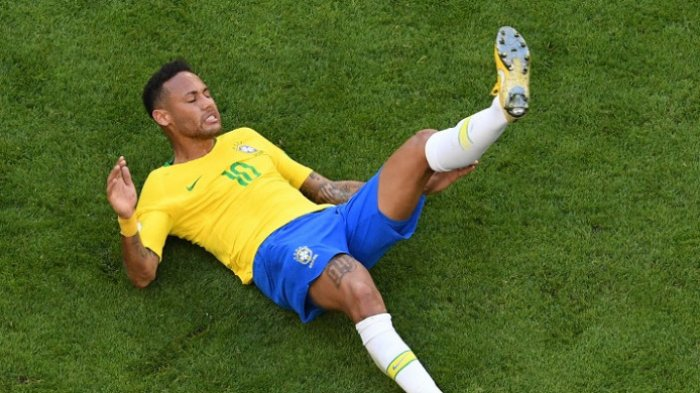 14 Menit Waktu Neymar di Piala Dunia 2018 Habis untuk Berguling-guling di Lapangan