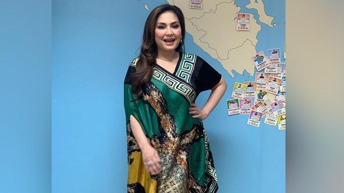 Kabar Nia Daniaty, Mantan Istri Farhat Abbas yang Tetap Awet Muda