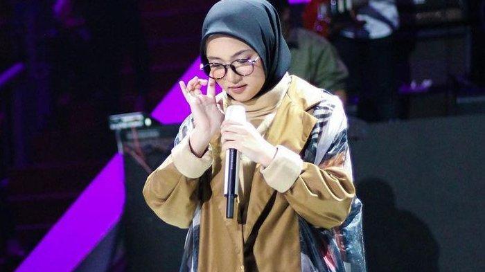Nissa Sabyan Nangis di Video Klip Usai Dengan Ucapan Ayus, 'Ya Doain Aja'