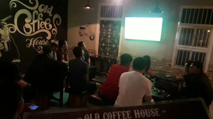 Ada Nobar Big Match di Old Coffee House