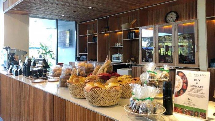 Novotel Manado memperkenalkan Klabat Cafe yang menyajikan produk kopi lokal Sulut.