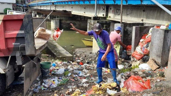 ODSK Kerahkan 50 Truk Angkut Sampah Pasca Banjir Kota Manado,Dibuang ke TPA Minahasa