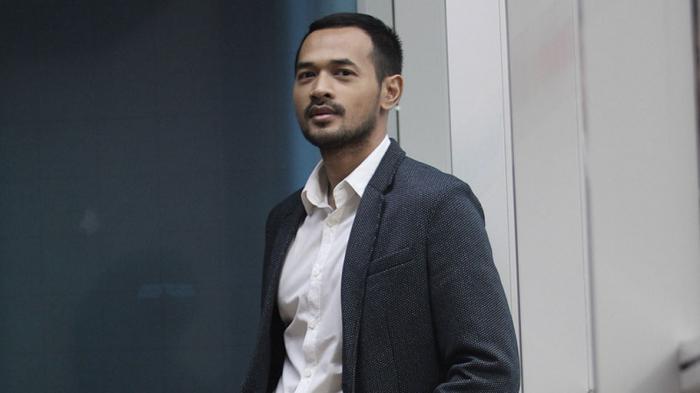 Masih Ingat Oka Antara? Aktor Ini Sempat Dikira Pindah Agama, Keluarganya di Bali Sampai Heboh