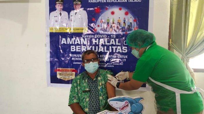 Pejabat OPD Pemkab Talaud Menerima Vaksinasi Covid-19