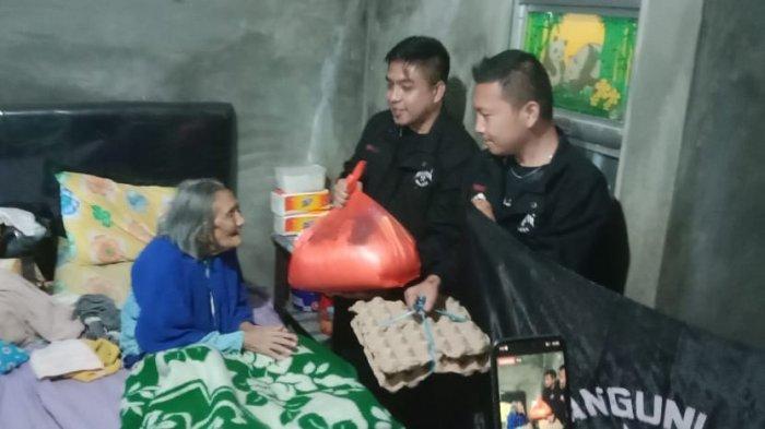 Organisasi Kemasyarakatan Manguni Muda Minaesa menggelar aksi peduli sesama. Aksi dilakukan dengan berbagi kasih berupa sembako kepada Lansia-lansia tertua yang ada di desa Tandengan Raya, Rabu (26/05).