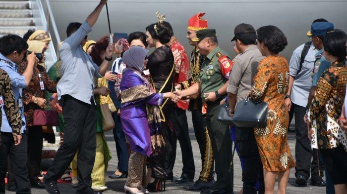 Forkompimda Sulut Sambut Hj Mufida Jusuf Kalla di Bandara