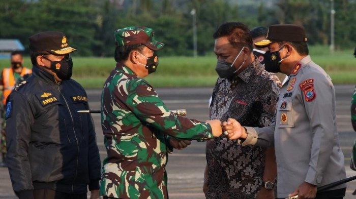 FOTO : Panglima TNI Marsekal Hadi Tjahjanto Kunjungi Kota Manado Sulut