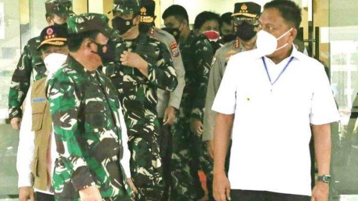 Panglima TNI Hadi Tjahjanto Bersama Gubernur Olly Dondokambey Rapat Bahas Covid 19