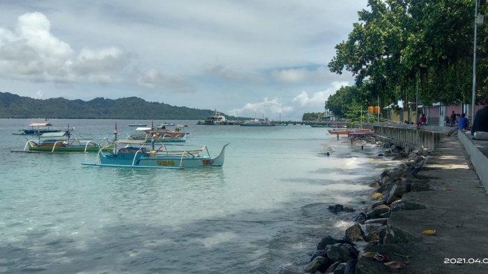 Pantai Indah Melonguane yang berada di Kelurahan Melonguane, Kecamatan Melonguane, ibu kota Kabupaten Kepulauan Talaud.