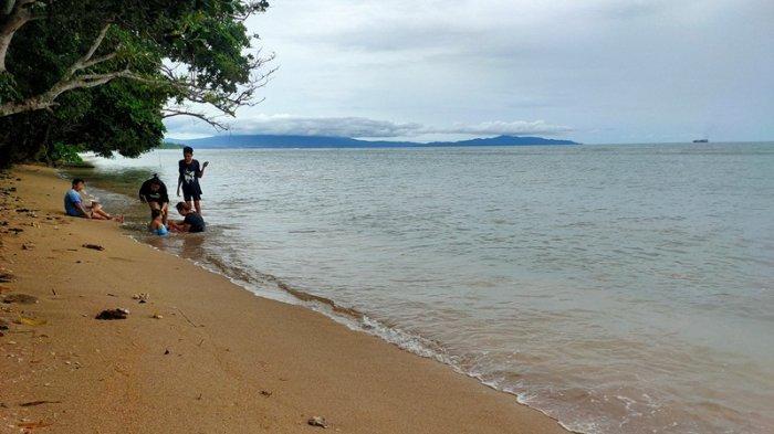 Merasakan Eksotisme Bahari di Pantai Makalisung