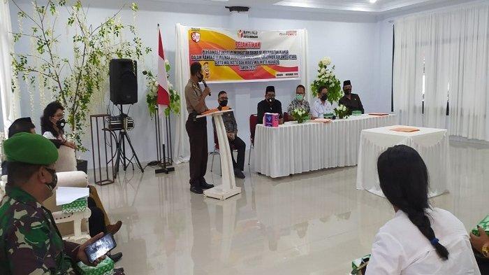 Panwascam Wanea melantik anggota Pengawasan tempat pemungutan suara se-kacamatan Wanea