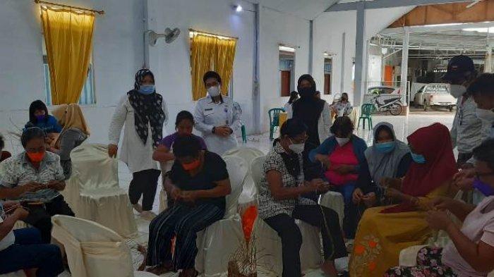 20 IKM di Bolmong Diajari Kelola Rotan Jadi Kerajinan Seni Bernilai Ekonomi