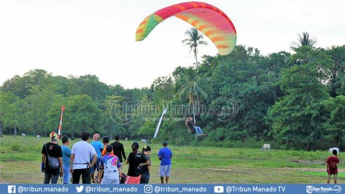 Besok 100 Atlet Paragliding Bakal Berlomba di Gunung Tumpa