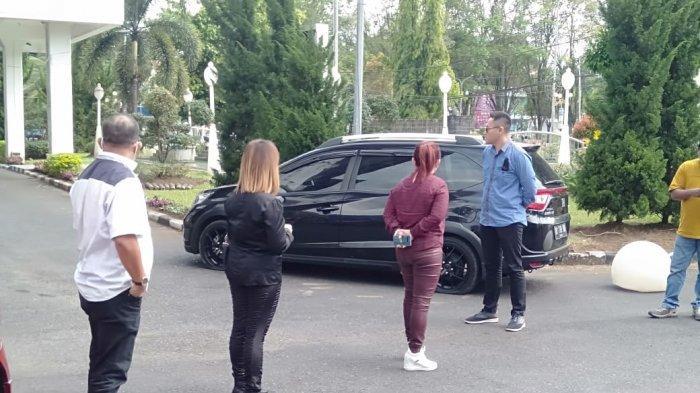 'Teror' Kempes Mobil Ancam Anggota DPRD Manado, Istri Almarhum Maikel Maringka Jadi Korban