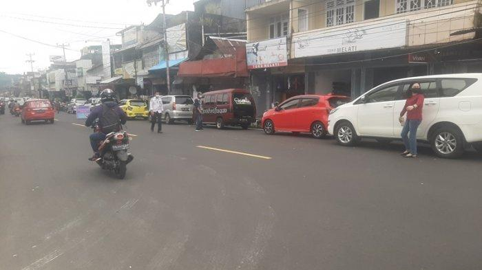 Kawasan Pusat Kota Tomohon Mulai Ditata, Dishub Tomohon Sosialisasikan Parkiran Satu Sisi