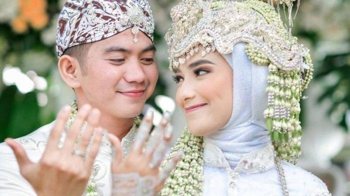 Pasangan Ridho DA dan Nadya Mustika atas kelahiran buah hati pertama mereka pada Selasa (13/4/2021) ()