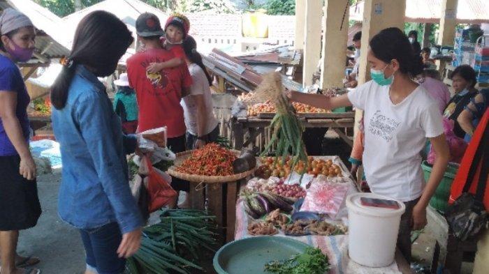 Kasus Covid-19 Meningkat, Aktivitas Warga di Pasar Tradisional Tenga Minsel Menurun