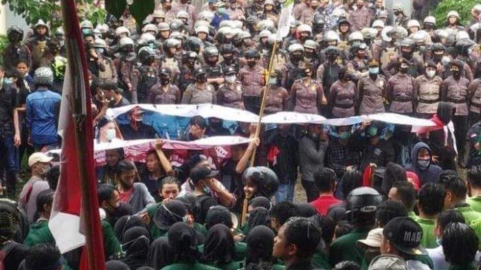 Menyikapi Demo Penolakan Omnibus Law, Polwan Sulut Disiapkan Jadi Negosiator dalam Aksi Unjuk Rasa