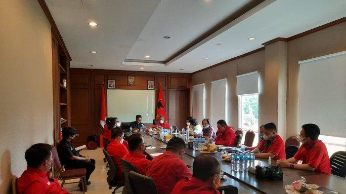 Partai Demokrasi Indonesia Perjuangan (PDIP) Sulut menghelat Rapat terbatas (Ratas) di Kantor DPD PDIP, Kamis (16/9/2021