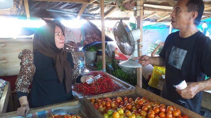 Sempat Anjlok, Harga Cabai di Pasar Bersehati Manado Perlahan Mulai Naik