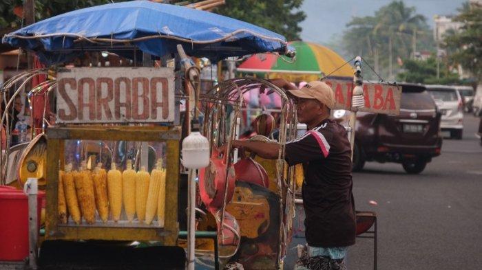 BERITA FOTO: Pedagang Kaki Lima di Jalan Boulevard Dua Sindulang Kota Manado