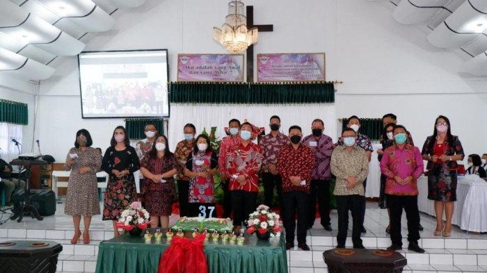 Wali Kota Tomohon Caroll Senduk Hadiri Ibadah SyukurHUT ke-37 Jemaat GMIM Kanaan Uluindano