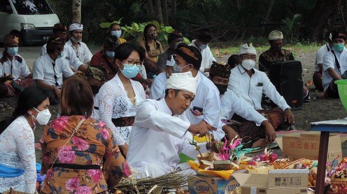 Jelang Hari Raya Nyepi, Umat Hindu Bitung Gelar Melasti
