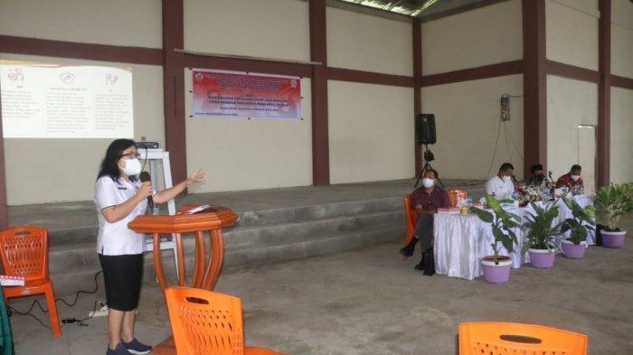 Pelaksanaan sosialisi penanganan Covid-19 di Kelurahan Tumatangtang, Rabu (7/7/2021)