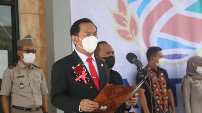 Wali Kota Tomohon Caroll Senduk Serahkan Sertifikat PTSL di Upacara Hari Agraria dan Tata Ruang