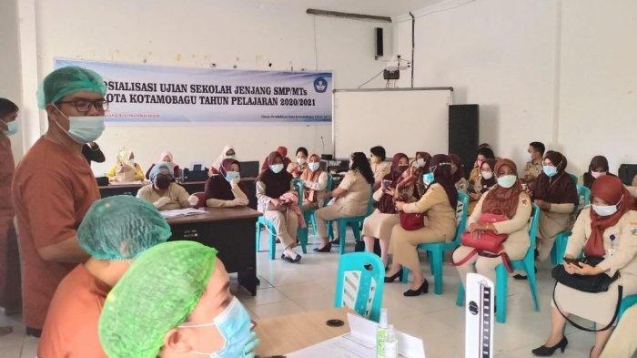 Tenaga Didik di Kota Kotamobagu Terima Vaksinasi Pertama