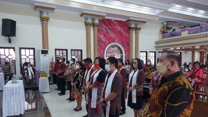 Pdt Dr Liesje Sumampouw ThM selaku ketua umum pengurus pusat Asosiasi Pastoral Indonesia. Melantik pengurus panitia pelaksana penyelenggara peringatan ke 30 Tahun API.