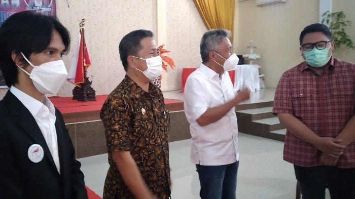Pelantikan Ketua PB E-Sport Kabupaten Minsel, Eldo Wongkar dan para anggotanya.