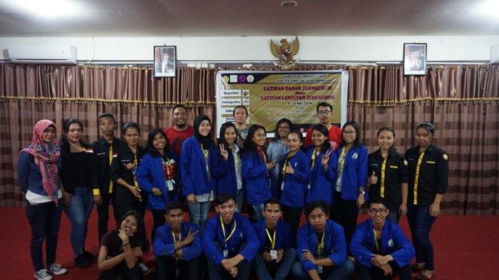 AJI Manado Bekali Belasan Mahasiswa Calon Anggota UKM Pers Politeknik Negeri Manado
