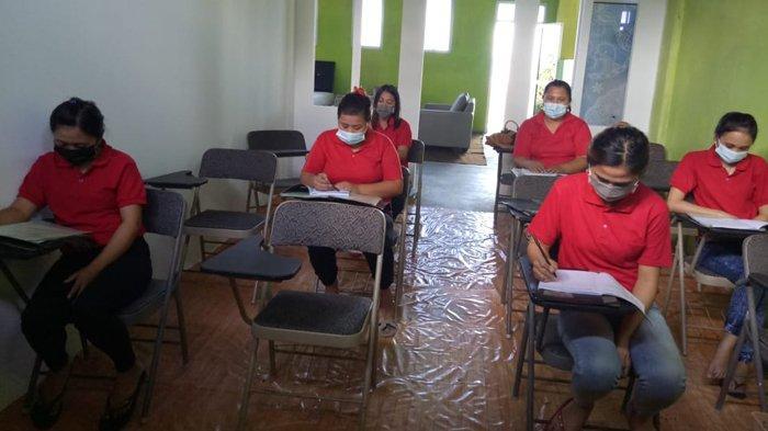 Mendulang Dollar di Negeri Orang: Peluang dan Tantangan Menjadi Pekerja Migran Indonesia