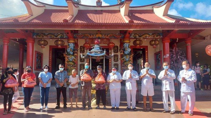 Umat Klenteng Seng Bo Kiong Bitung Berdoa Agar Covid 19 Segera Selesai