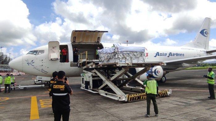 Pelepasan ekspor perdana direct call ke Singapura dari Bandara Internasional Sam Ratulangi Manado, Senin (08/03/2021).
