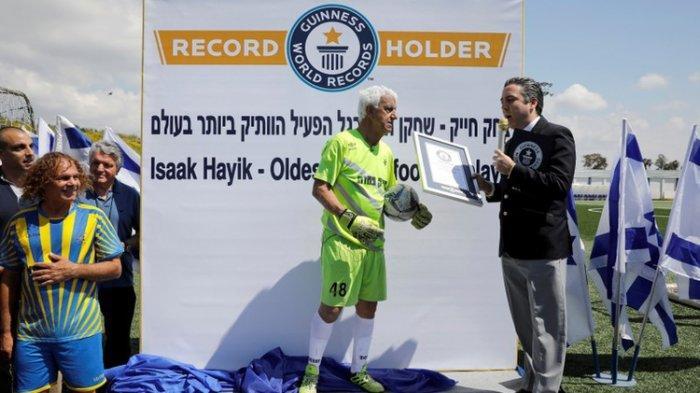 Umur 73 Tahun, Warga Israel Pecahkan Rekor Jadi Pesepakbola Profesional Tertua