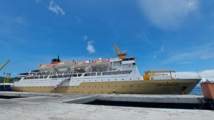 BREAKING NEWS - Kapal Tempat Isolasi Pasien Covid di Pelabuhan Bitung Mulai Dibersihkan