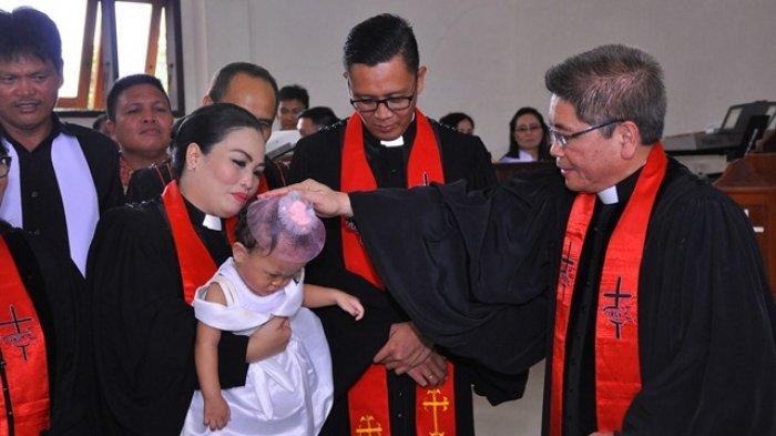Jemaat Tanawangko Bersukacita,  Paolo Rio Komaling Diteguhkan Jadi Pendeta GMIM Imanuel Lolah