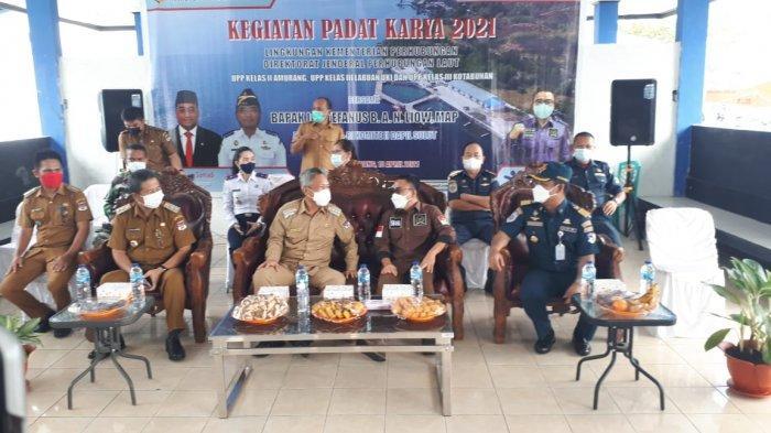 Program Padat Karya di Pelabuhan Amurang Libatkan Warga Lokal, Bupati Minsel Apresiasi Senator Liow
