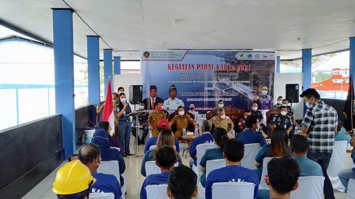Pembukaan Program Padat Karya Kemenhub RI dan Komite II DPD RI di Pelabuhan Amurang.