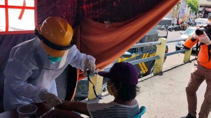 Cegah Penyebaran Covid-19, Sebanyak 37 Pedagang di Pasar Pinasungkulan Diperiksa